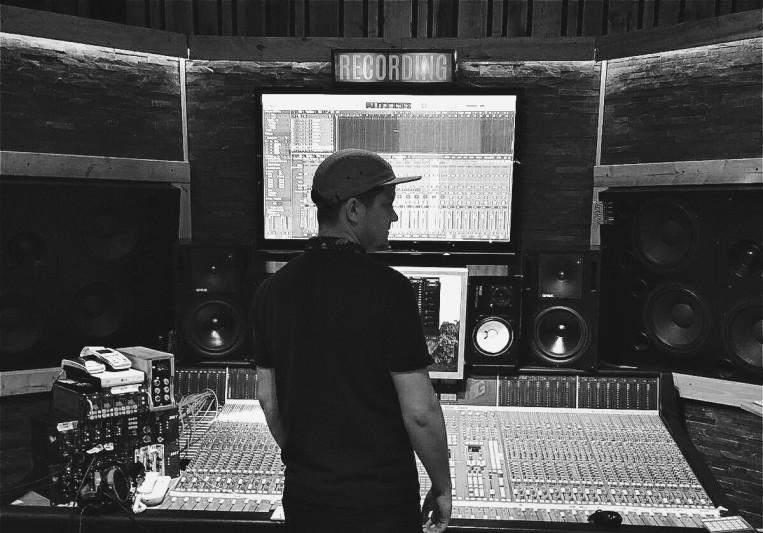 Dom Howard Music on SoundBetter