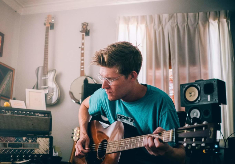 Alex Strahle on SoundBetter