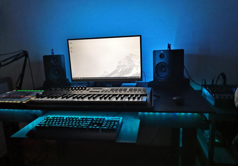 Akuro on SoundBetter