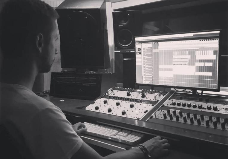 Jonathan Schuster on SoundBetter