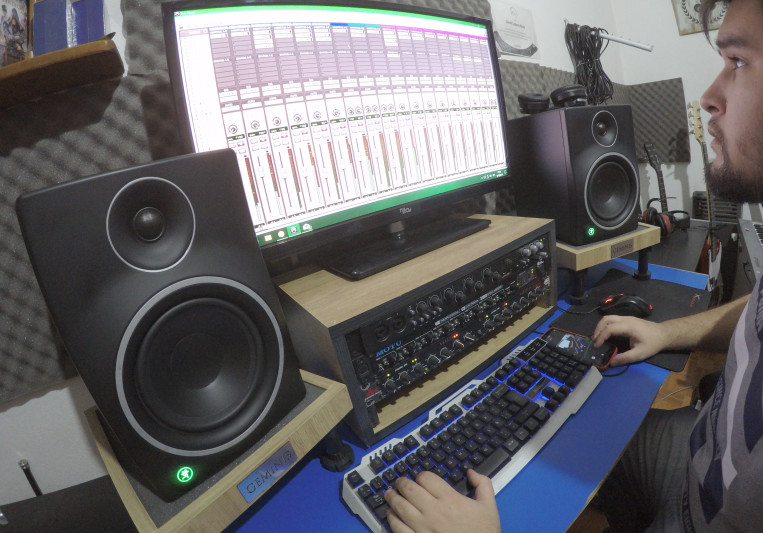 Gabriel Calderon Mix Engineer on SoundBetter