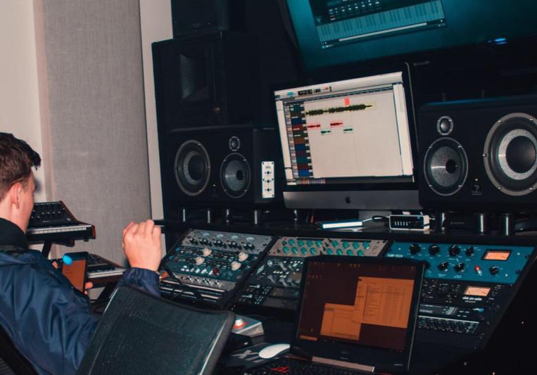 Brougkr on SoundBetter