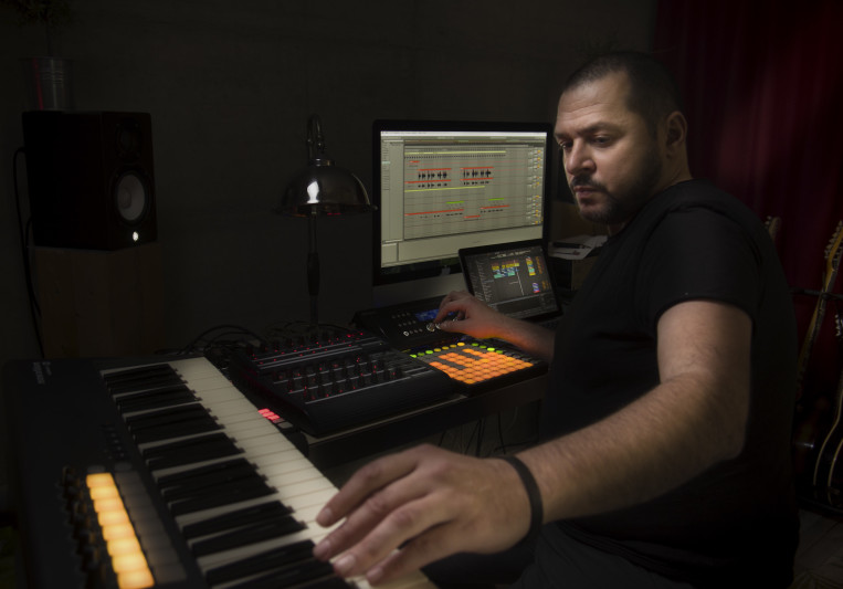Sandro Vac on SoundBetter