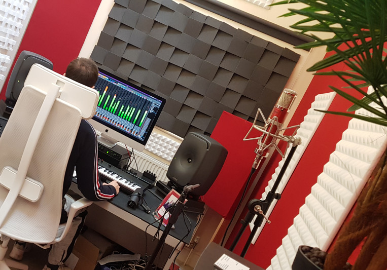 Dale Askew on SoundBetter