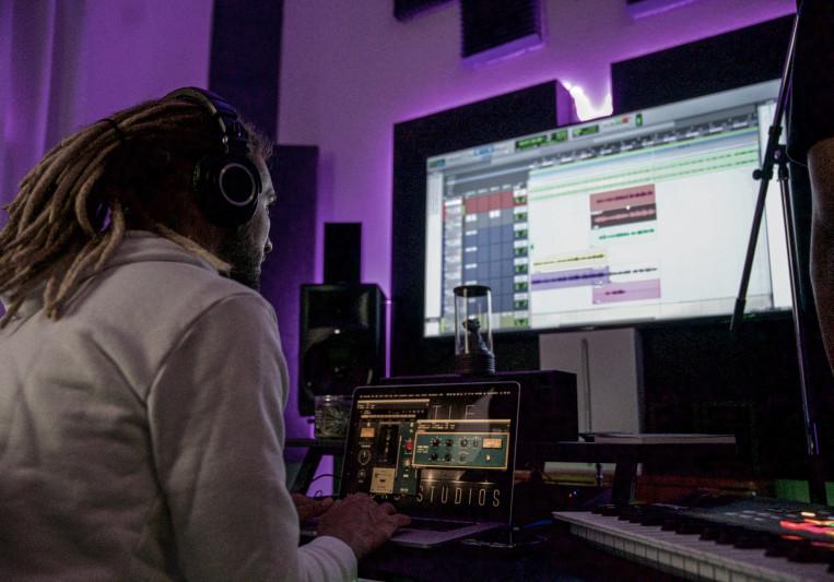 Hustle & Love Sound Studios on SoundBetter