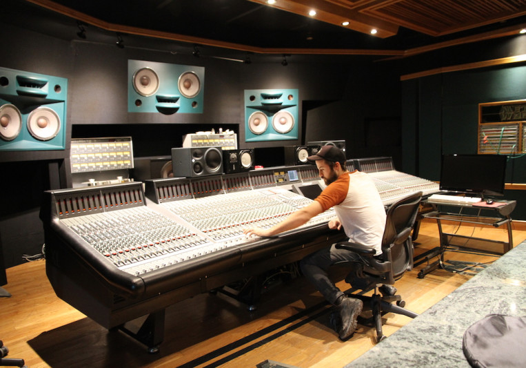 Jewlz Academy on SoundBetter