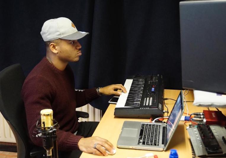 Praise Deep on SoundBetter