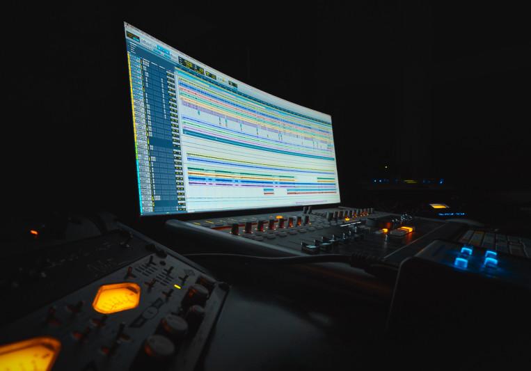 Velvet Estudio on SoundBetter