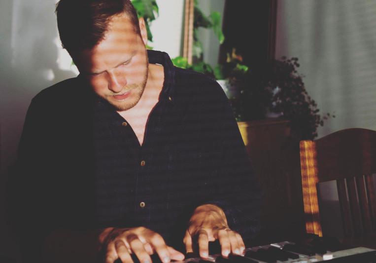 Jakob Ahlbom on SoundBetter
