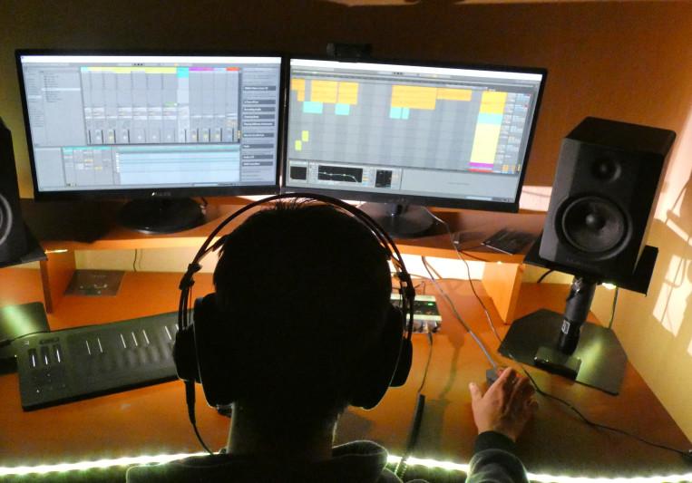 Dreamcaster music production on SoundBetter