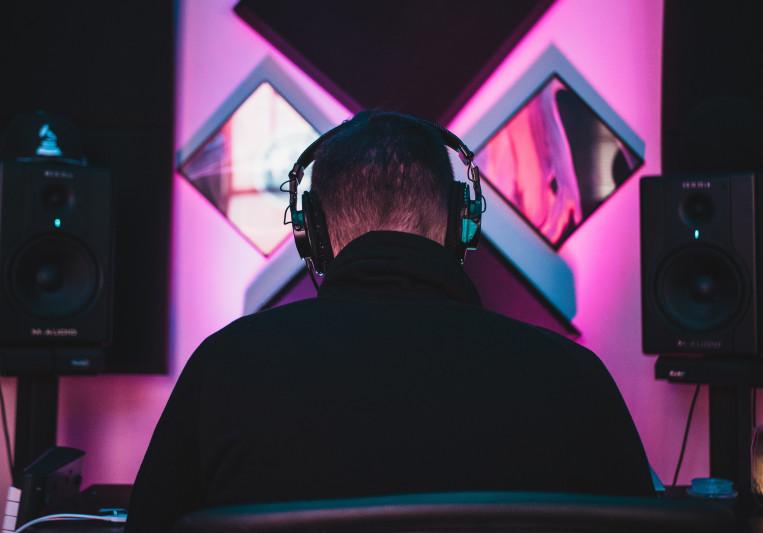 Steve Knobs on SoundBetter