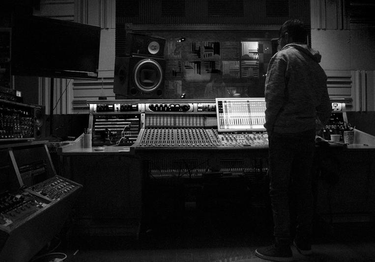 Daniel Gutierrez on SoundBetter