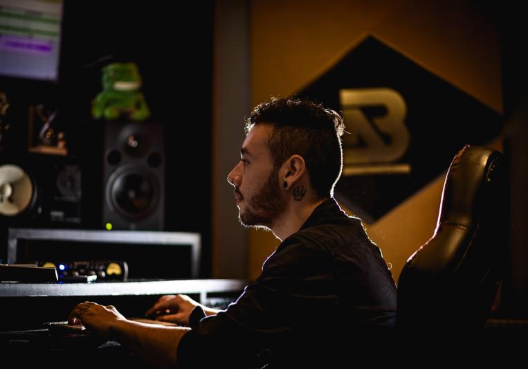 Simon Correa on SoundBetter