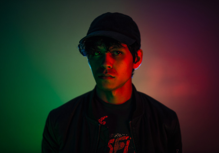 Joshua Damian on SoundBetter