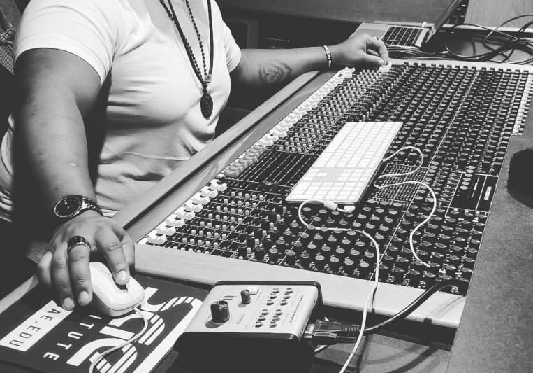 Tuneup Entertainment on SoundBetter