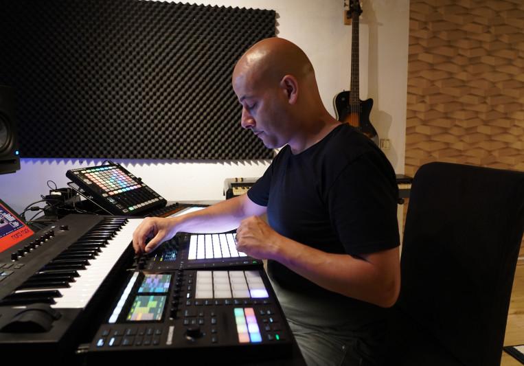 Roy Perez on SoundBetter