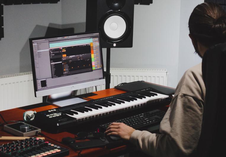 Ricky Mayne on SoundBetter