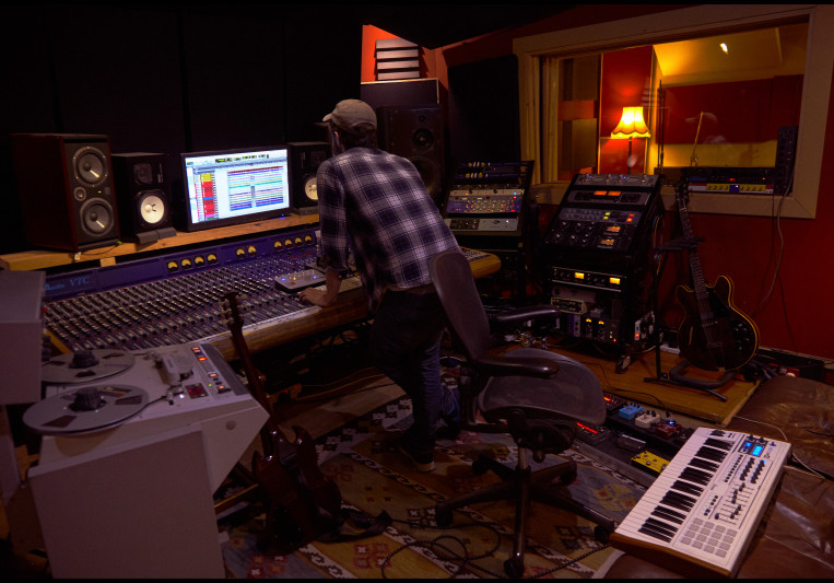 Squarehead Studio on SoundBetter