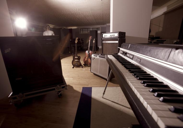 recording studio qflm on SoundBetter