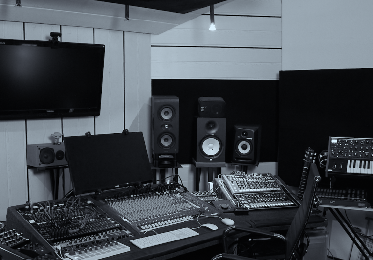 KONSTRUKT Sound Works on SoundBetter