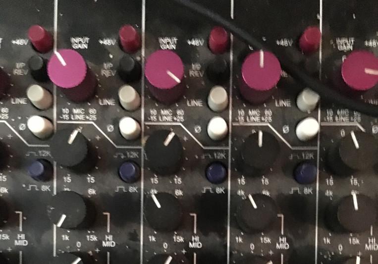 Robbie Carvalho on SoundBetter