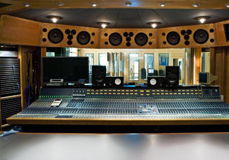 Oasis on SoundBetter