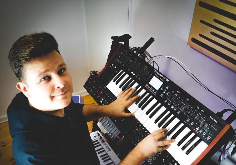 Manuel Grom on SoundBetter