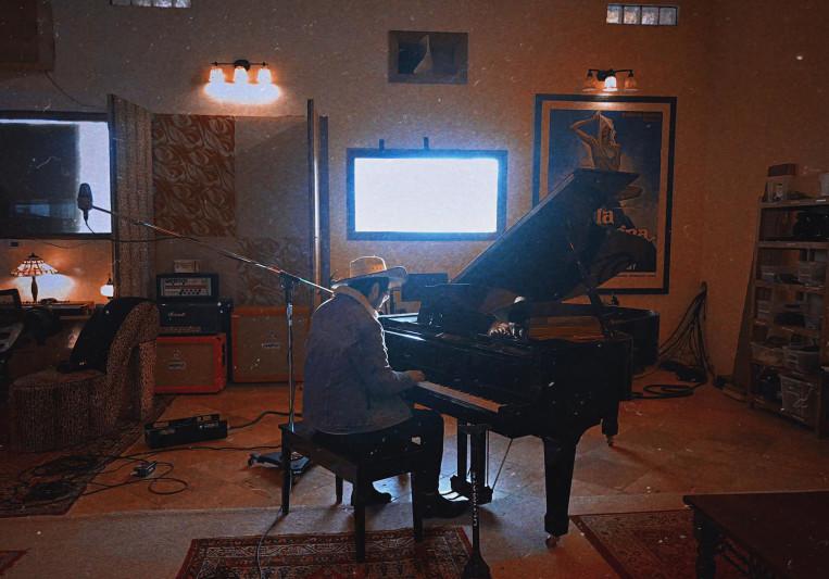 Alex Uriegas on SoundBetter