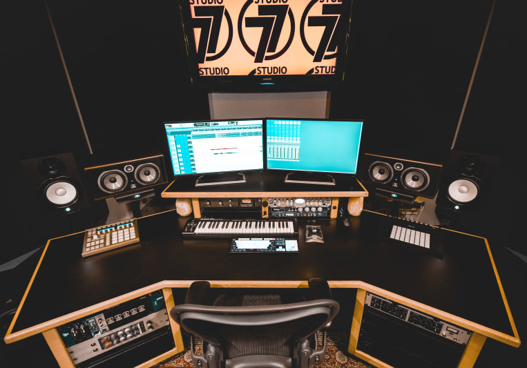 Studio77 on SoundBetter