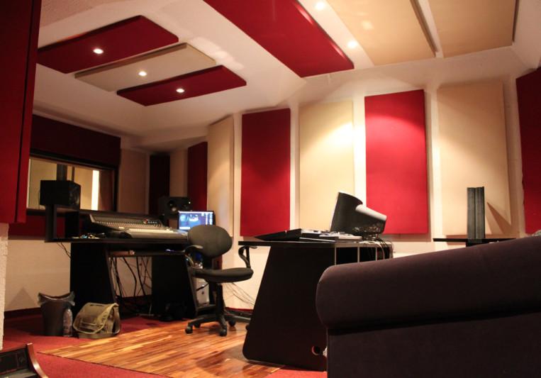 Backstage Valencia Studios on SoundBetter