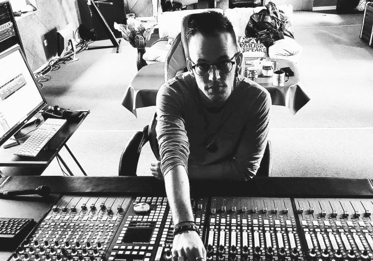 Marc Oliver on SoundBetter