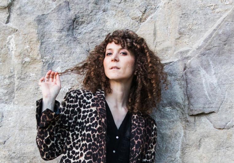 Sarah Bee on SoundBetter