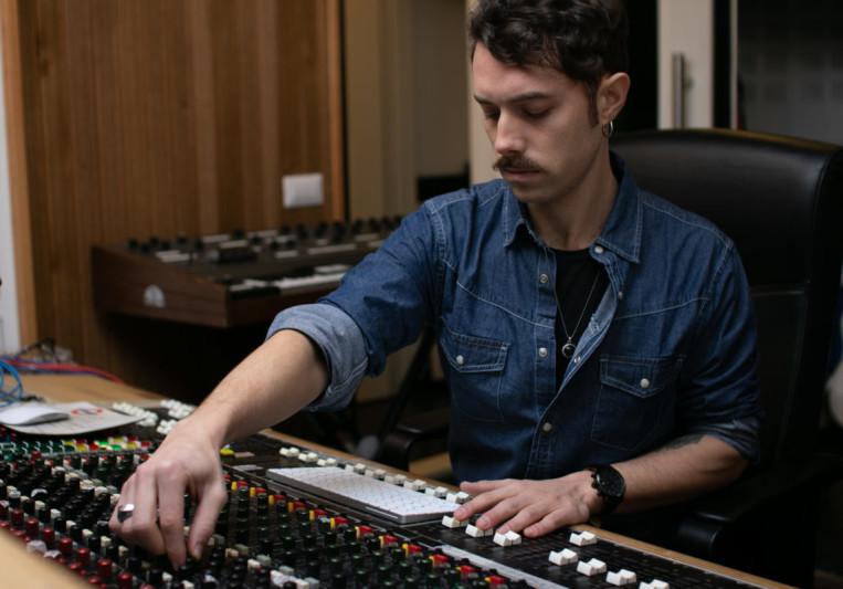 Valerio Mina on SoundBetter