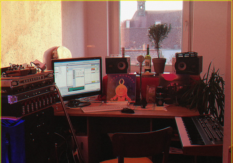 Kristian Fodor´s Bedroom on SoundBetter