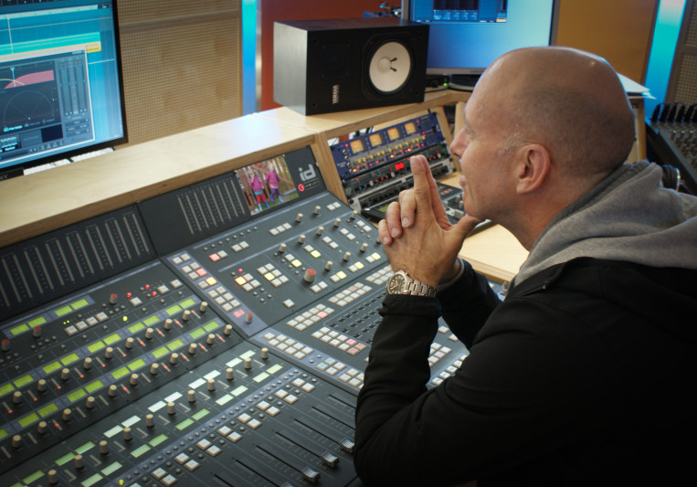 Henning@Xpoint1 on SoundBetter