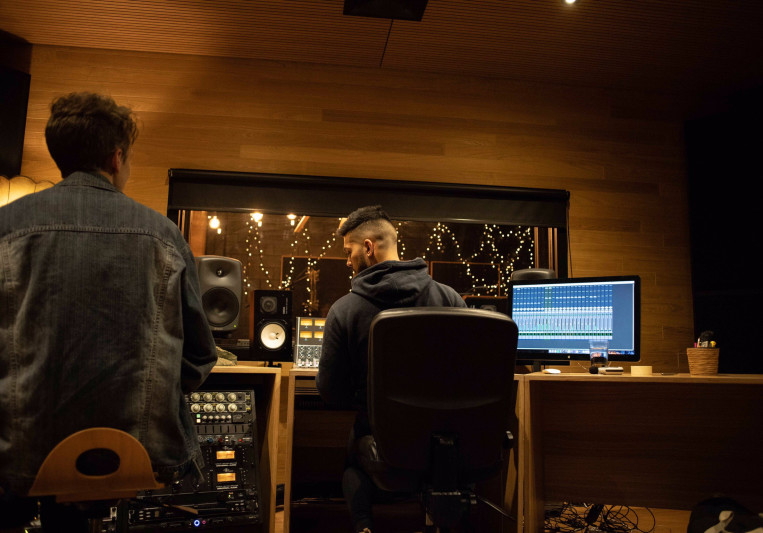 ØLYMPUS Music on SoundBetter