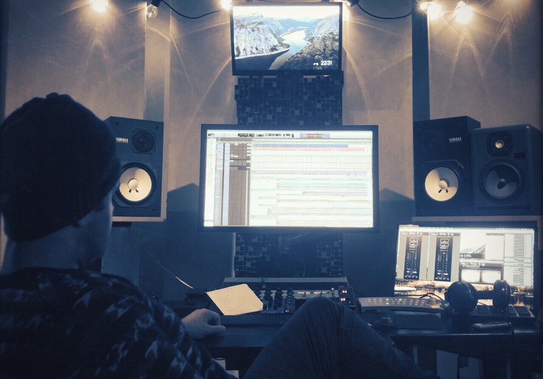 Charles Elmi on SoundBetter