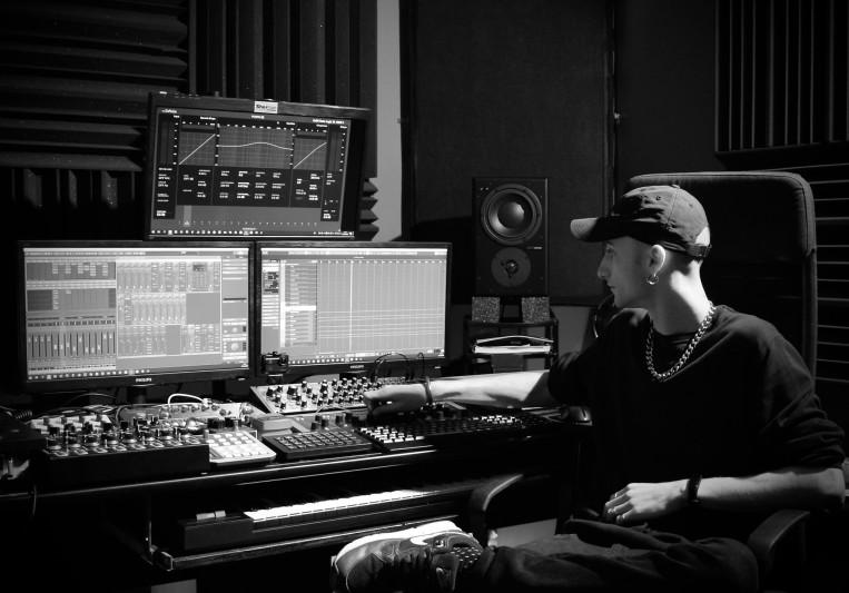Darkside Studio on SoundBetter