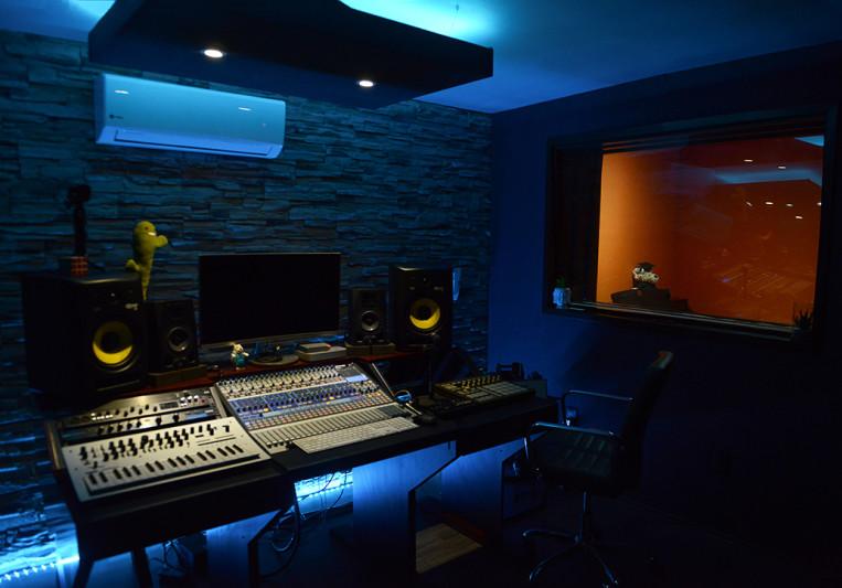 Blue Wave Records on SoundBetter
