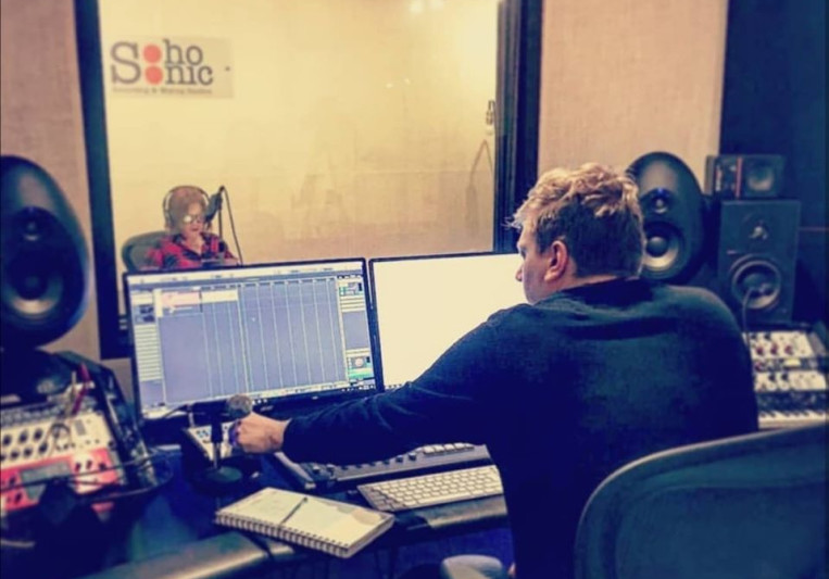 Dominic Feil-Roots on SoundBetter