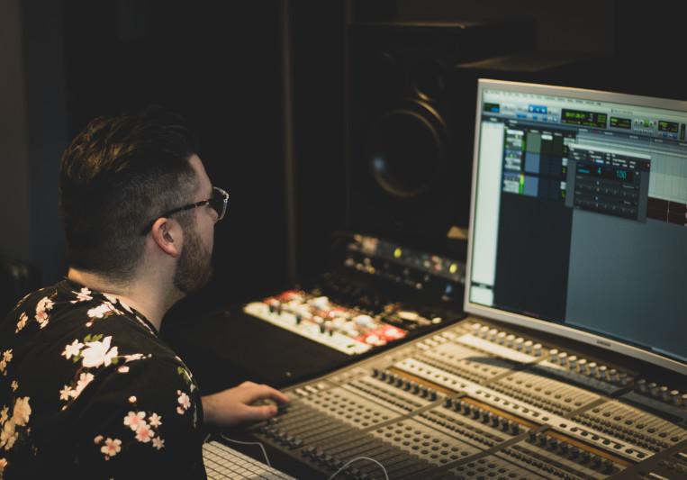 Krystian Watts on SoundBetter
