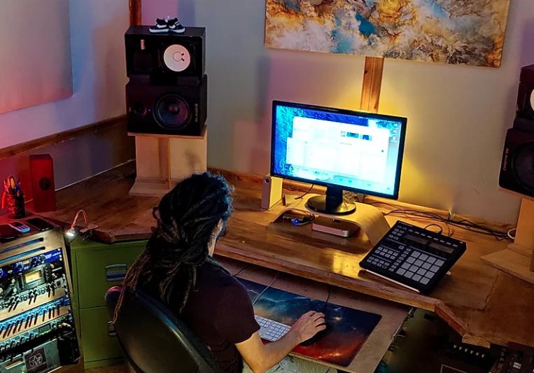 Olivier Delbos on SoundBetter
