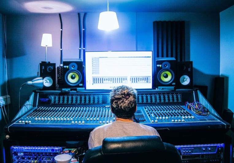 Bobby Shoebotham on SoundBetter