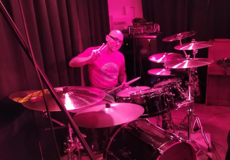 Tony Radford on Drums on SoundBetter