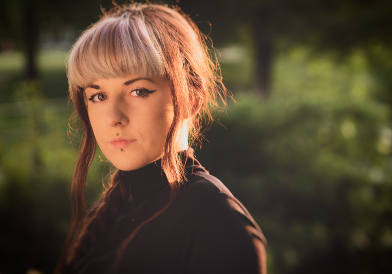 Ellie Jones on SoundBetter