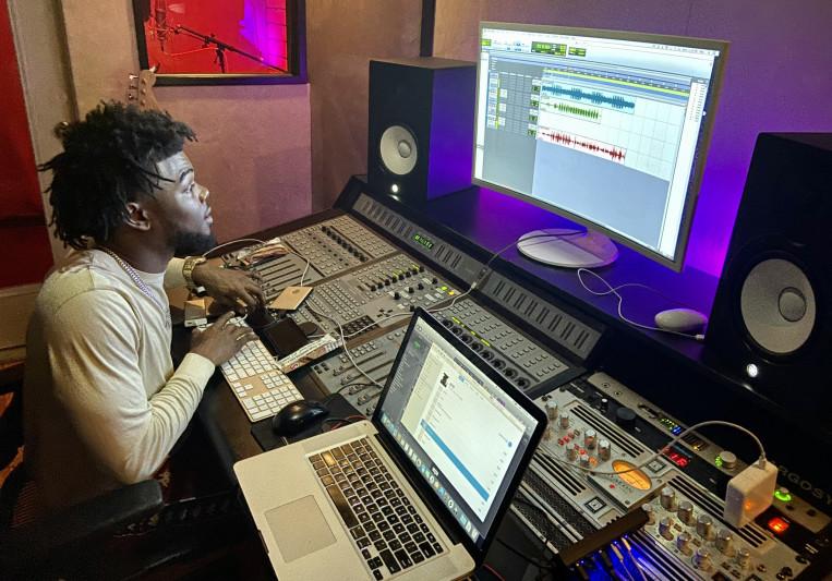 Darius Woodley on SoundBetter