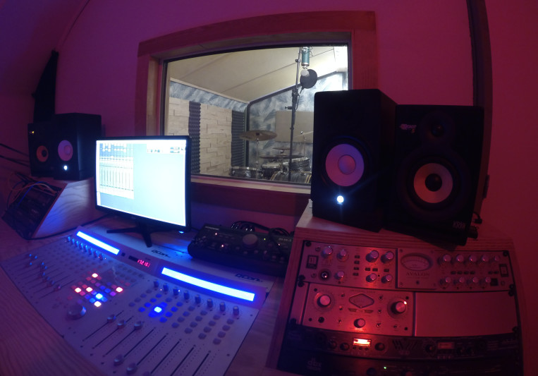 Patio Studio on SoundBetter