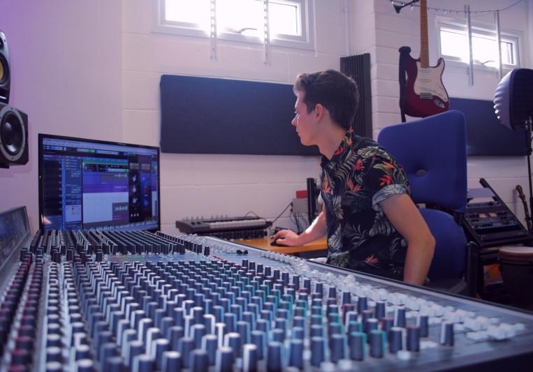 Dean Nelson on SoundBetter