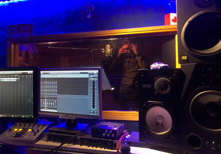 Tommy Hydra on SoundBetter
