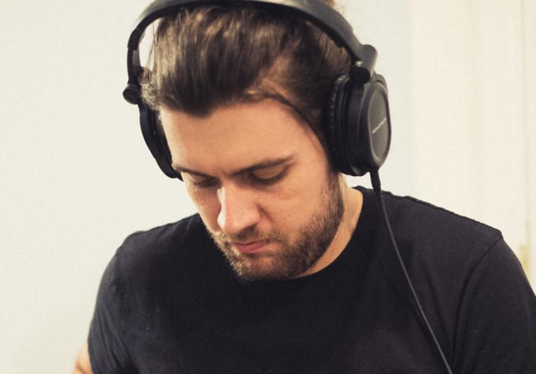 Alex Tomlins on SoundBetter